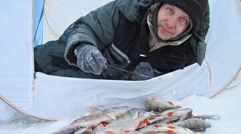 Рыбачим в палатке в сильные морозы