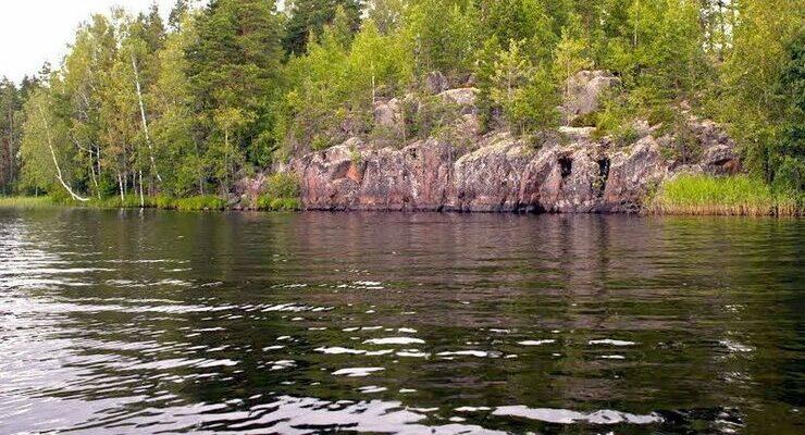 Озеро Бурное в поселке Зайцево