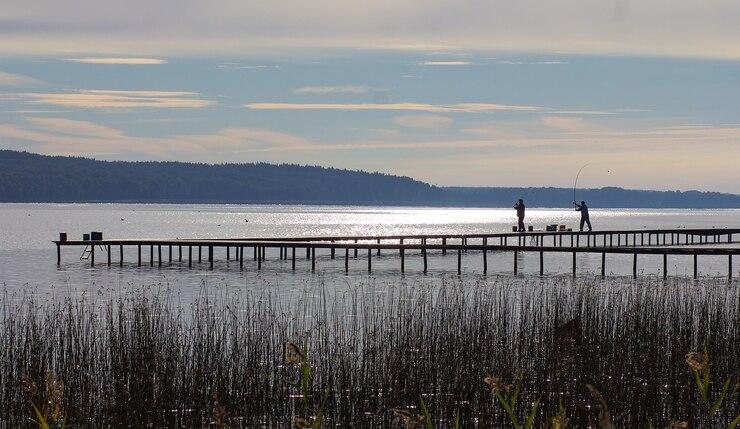 Озеро Красногвардейское в поселке Уткино